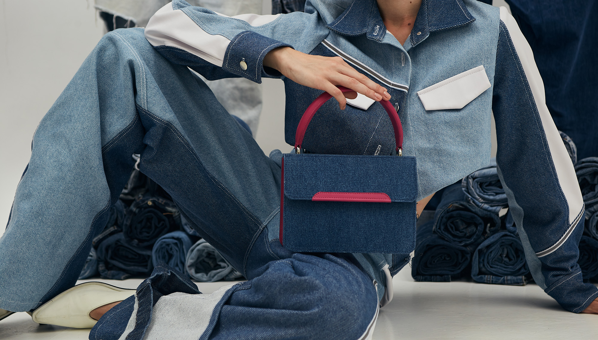 Snaked Upcycling Bags Collection